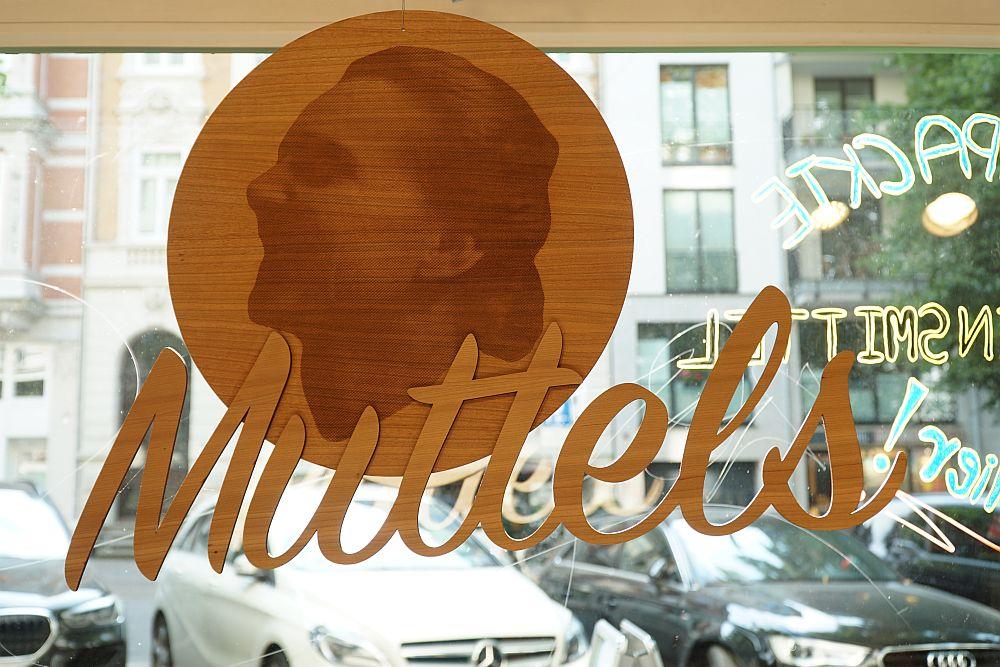 Das Logo von Muttels zeigt ein Originalfoto der Namensgeberin.