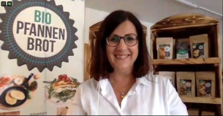 Gründerin Maria Perna bei ihrem Pitch