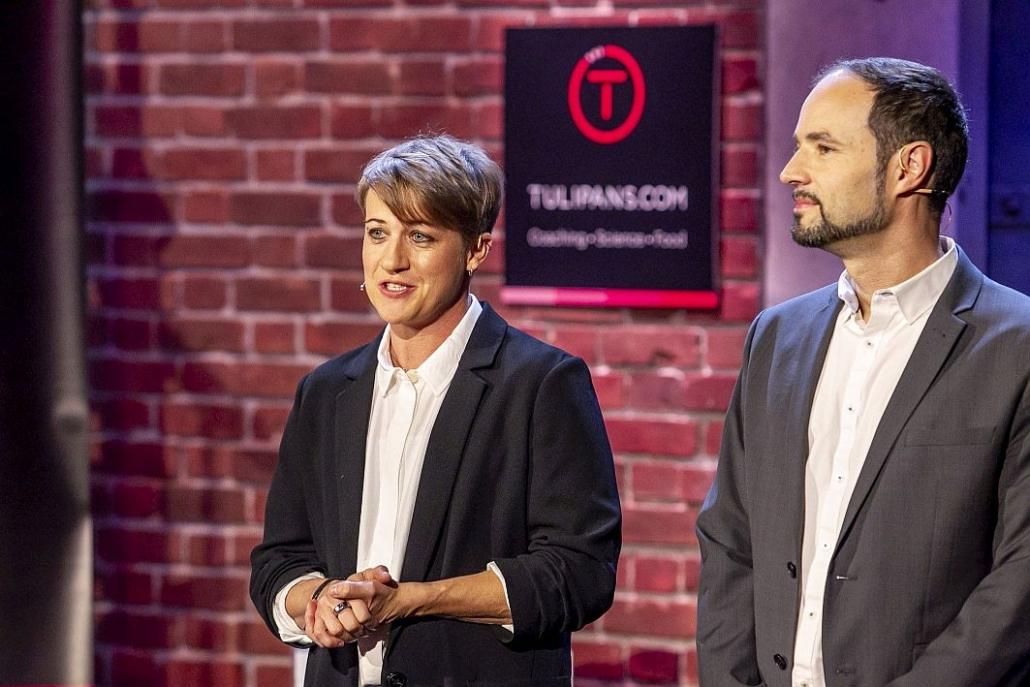 """Julia und Leo Tulipan von TULIPANS in der österreichischen Startup-Show """"2 Minuten 2 Millionen"""" (Foto: Gerry Frank/ 2 Minuten 2 Millionen)"""