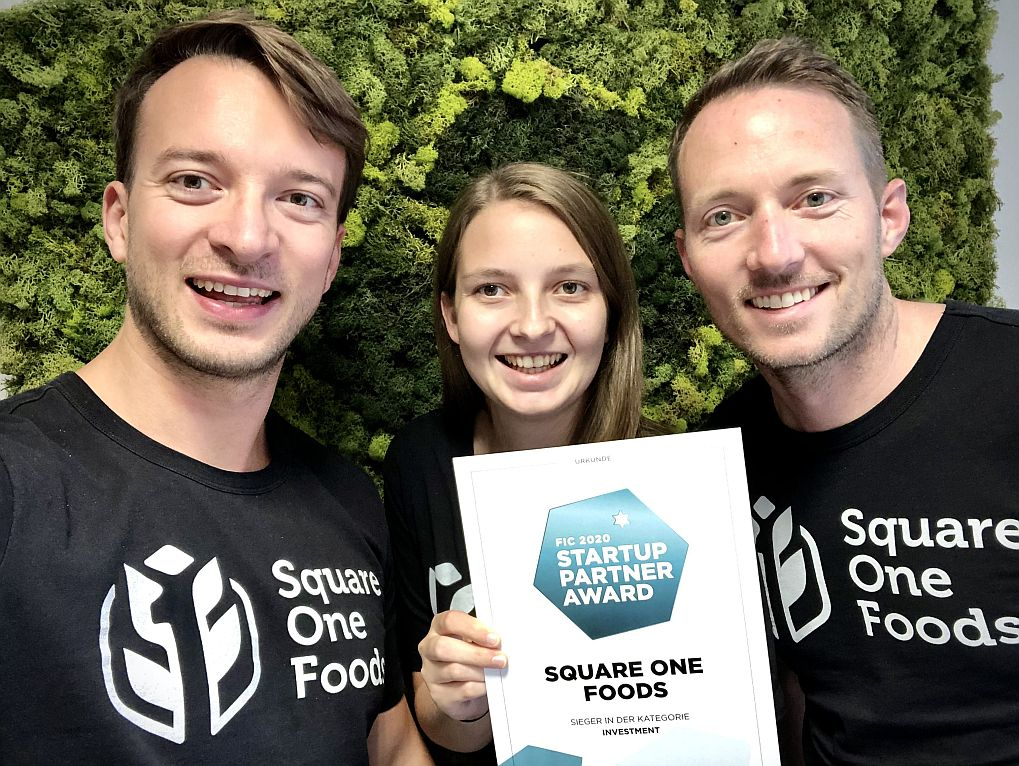 Andre Schneider (Partner), Pia Obermair (Werkstudentin Square One Foods) und Michael Goblirsch (Partner) von Square One Foods