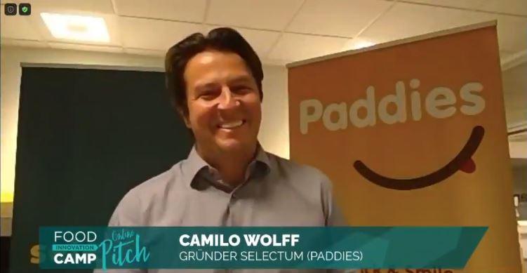 Camilo Wolff, Gründer von Paddies, hat gerade erfahren, dass er den Pitch gewonnen hat.