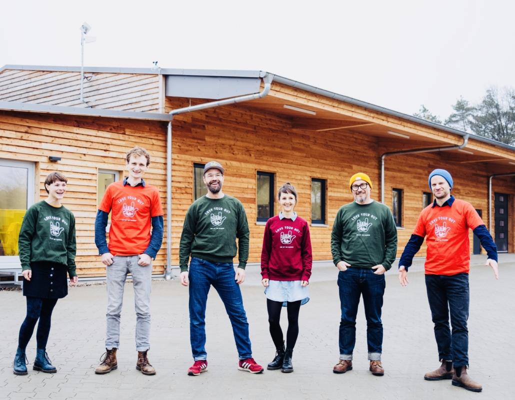 Das Team von SUUR um Martin und Swantje Theben und Carsten Buck (2. - 4. v.l.).