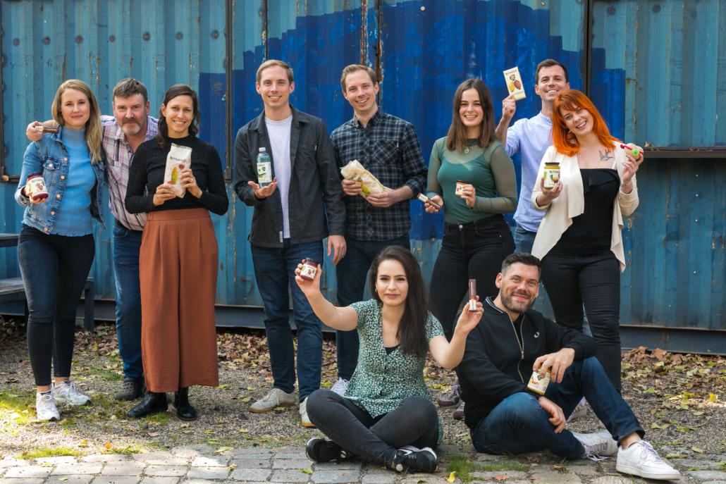Gegen Lebensmittelverschwendung: Das Team von Rettergut zeigt die Vielfalt seiner Produkte.